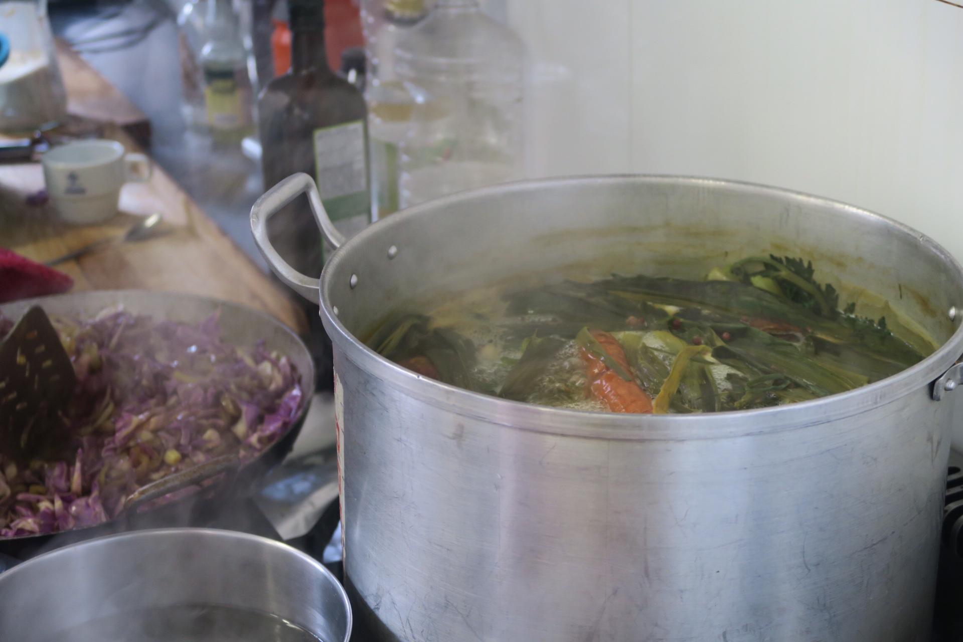 Soupe miso chou rave & poireaux